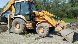 Traktorbager práca JCB